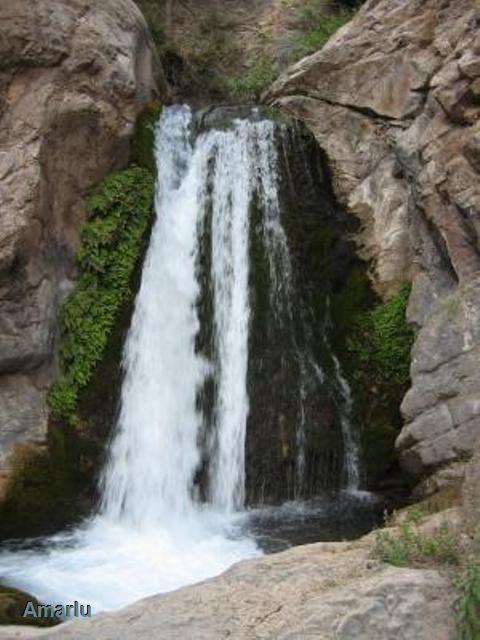 آبشار آسیاب رود این آبشار در روستای نوده فاراب واقع در شهرستان رودبار –لوشان –جیرنده بعد از انبوه قرار دارد.